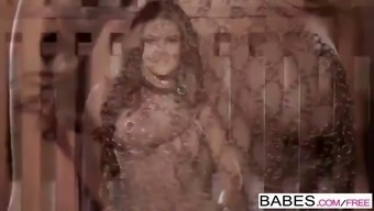 girls - bright unchained sunny leone