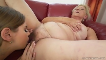 Hot youngster Julia Red colored is not just nauseous about trouncing this old lady's pussy