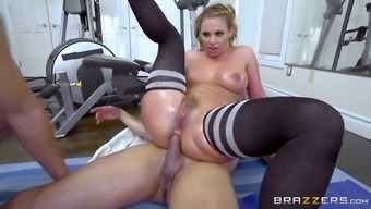 foul whore phoenix marie gets dual penetrated in the gym