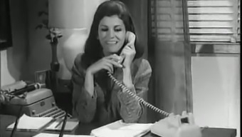 Place of work Love-in, White-Collar Form (1968) Packed Show