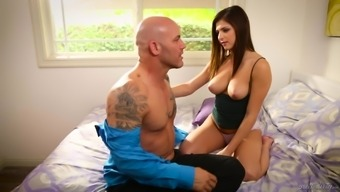 Leah Gotti is a lovely blonde in need of a lover's hard on