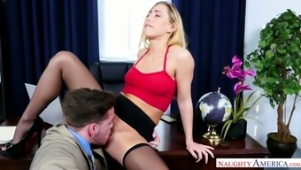 Bewitchingly warm gal Shipper Glide adores having her pussy licked by her supervisor
