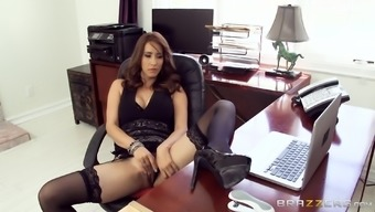 Isis Completely love pulls her mini skirts about expose stockings to this particular man