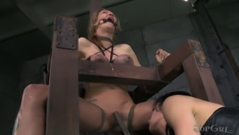 Juggy chick by using involved whole body gets her tasteless crimson fucked by horny mistress