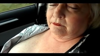 Big beautiful woman Appreciates to really Drive and Work It Out