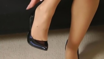 Dry Gown and Brown Nylon material Feet