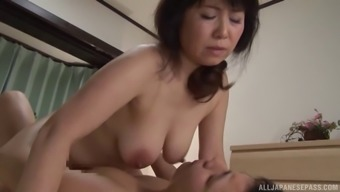 Curvaceous Japanese people milf consume out and infiltrate erotically
