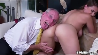 Big tits Pupil Ivy Increased visited everybody to effectively blow and fuck several old cock.