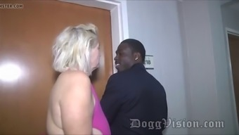 56y gilf amber connors squirts in resort stairway
