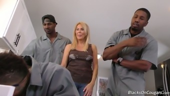 Dirty like mud bold cougar Erica Lauren gets gangbanged very difficult