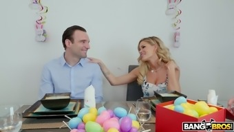 Naughty hunk receives a wonderful blowjob from impious missy Jessa Rhodes