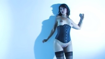 Horny Milf Dana Vespoli displays her shapes for we to view
