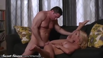 major titties milf alexis fawx stinks hormones & gets drilled