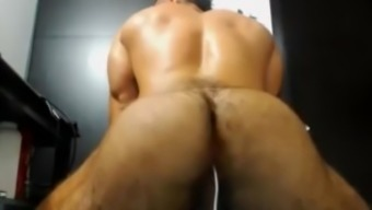 Muscle latin hunk exhibits his hairy stupid ass on cam