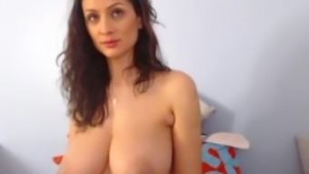 Romanian Date with very major boobs one(1)