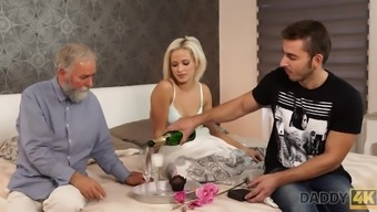 Beautiful blond embarks morning sex by using striking papa