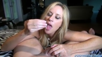 Jodi Western in StepMother's Pleasant Home or office HandJob
