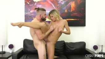 Handsome guy satisfies Jessa Rhodes by drilling her wet pussy