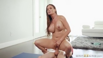 Big tits ring foxxx moves her bald twat on the complicated penis