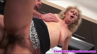 Nan jizzed on hairypussy after sexual intercourse