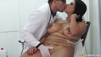 Oiled up chubby Latina gets loads of cum from her doctor