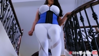 Big breasted MILF Angela White wants to feel a cock in a kitchen