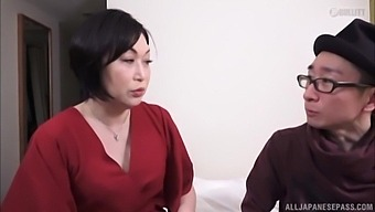 Amateur homemade porn video of a horny Japanese MILF and her lover