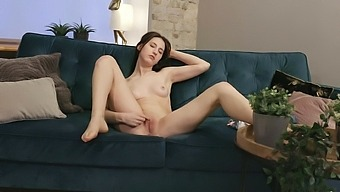 Amateur babe Deepika moans while fingering her puss on the sofa