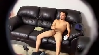 Solo wanker wedged on cam