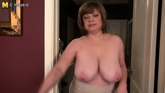 Age usa citizen milf with deflated fa Gleaming from 1fuckdatecom