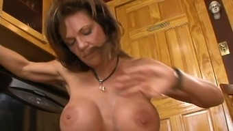 Very dynamic milf prostitute Deauxma fucks skinny guy