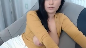 Big Tits Coach Shows Titties On Cam