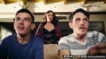 Mommy Got Boobs - Is it possible to Crash And Worth Your Mum scene starr