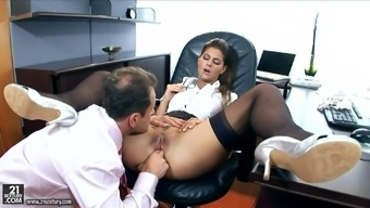 Heated desk Defrancesca Gallardo savours anal intercourse back with her chief