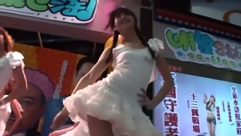 Chinese dancing girl